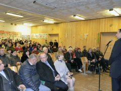 Встреча с жителями, Владимир Серов
