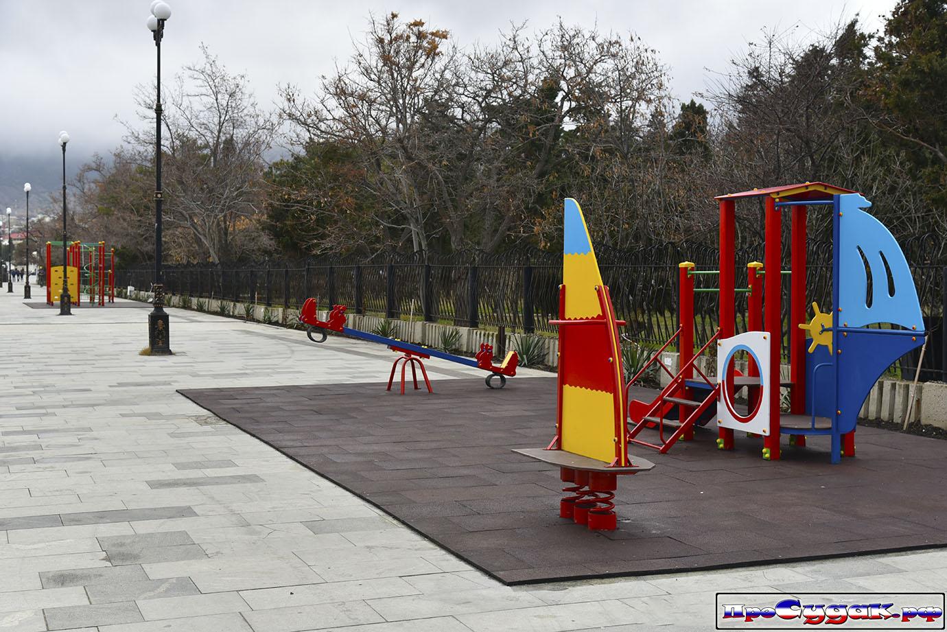 детская площадка в Судаке