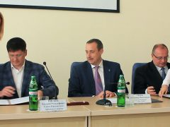 Владимир Серов, подписание договора
