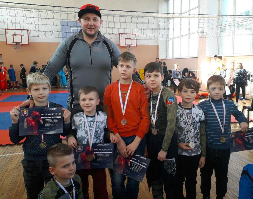 Игорь Писня и его воспитанники
