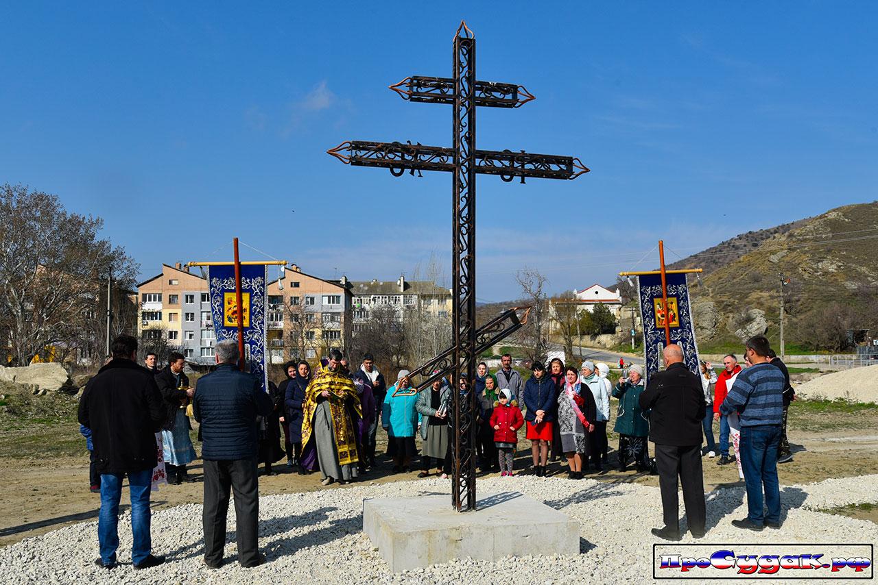 Освещение поклонного креста в Дачном